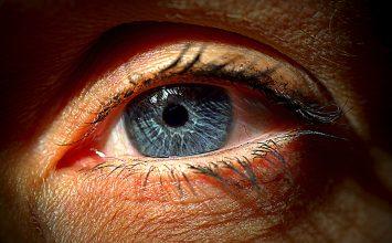 Ali se po laserski odpravi dioptrije pojavi dvojni vid?