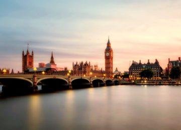Odpravite dioptrijo in novo leto pričakajte v Londonu!