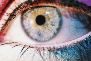 Kako so videti oči drogiranih oseb?
