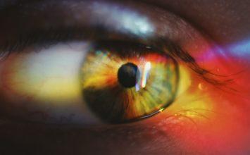 Erozija roženice – poškodba roženice očesa