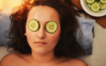 Znebite se gubic okrog oči in imejte bolj napeto kožo!