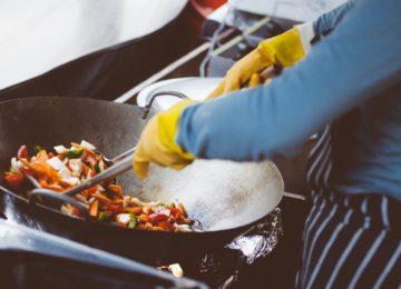 Poškodbe oči v kuhinji – kako se jim izogniti?