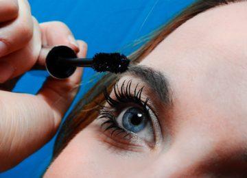 Kako lahko podaljški za trepalnice poškodujejo vaš vid?