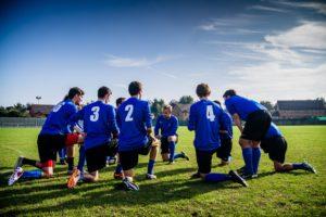 nogometni sodniki in nogometaši