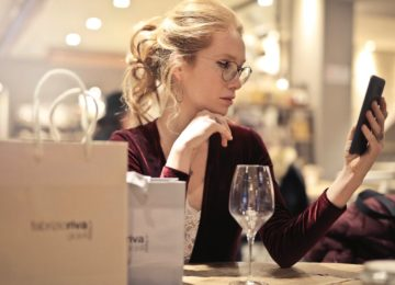 Ali spletne aktivnosti vplivajo na naše oči in njihovo naprezanje?