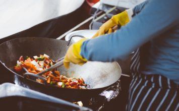 Poškodba oči v kuhinji – kako se jim izogniti?