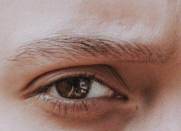 Znanstveniki razvili kontaktne leče, ki »zoomirajo vid«, ko dvakrat pomežiknete