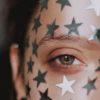 zvezdice in barve v očeh