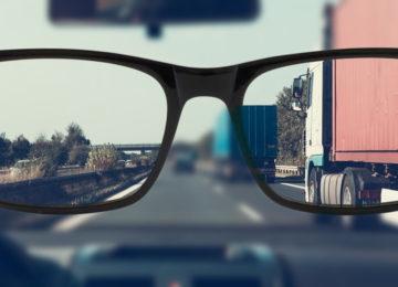 Presbiopija pri vožnji – težava, ki se ji ne morete izogniti in ki ni vedno nevarna samo za vas!